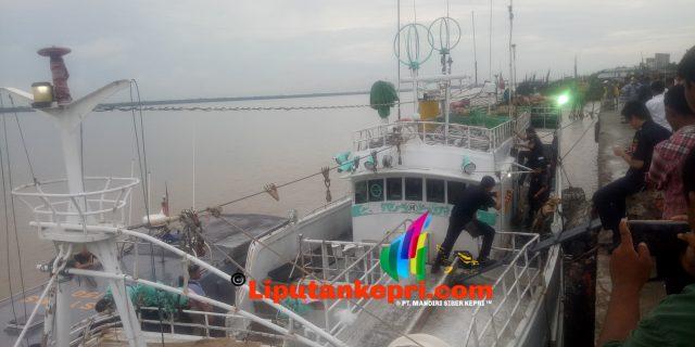 Breakingnews : Kapal DA WEI Berbendera Taiwan Digeledah Anjing Pelacak.