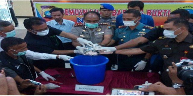 Polres Karimun Musnahkan 1.005 Gram Sabu Hasil Penindakan TNI AL