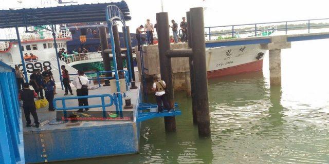 Kapal Diduga Pembawa Sabu Digiring Ke Dermaga DJBC Kepri