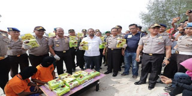 Kapolda Kepri Rilis Penangkapan Sabu Seberat 19,77 Kg di Perairan Pulau Buru Karimun
