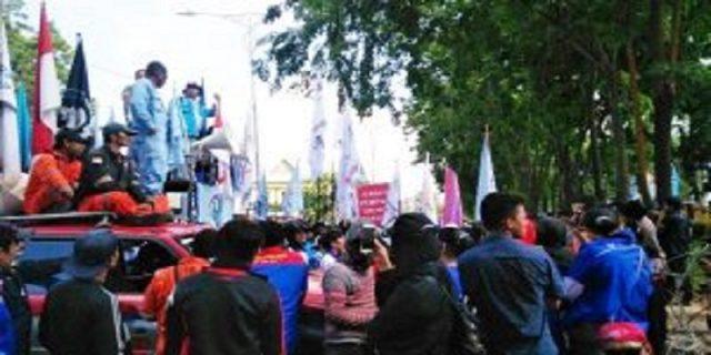 Ratusan Buruh Tuntut Berlakukan PP 78 tahun 2015